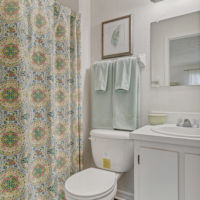 LCA townhome bathroom
